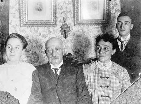 The Leo Frank Family Photo